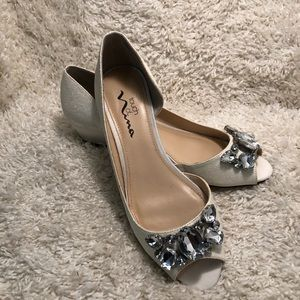 Touch of Nina size 8 womens shoes